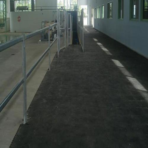 Rollo SBR con TEJIDO 1M ancho - Plancha de goma, color negro